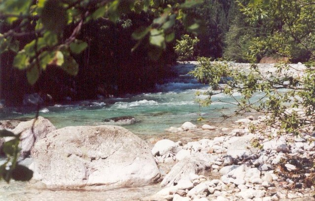 Řeka (potok) Belá - místo, kde jsme odpočívali