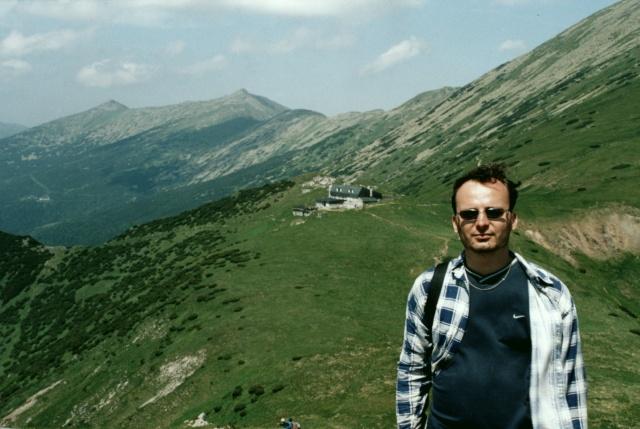 Já při sestupu z Králičky, v pozadí chata generála M.R. Štefánika