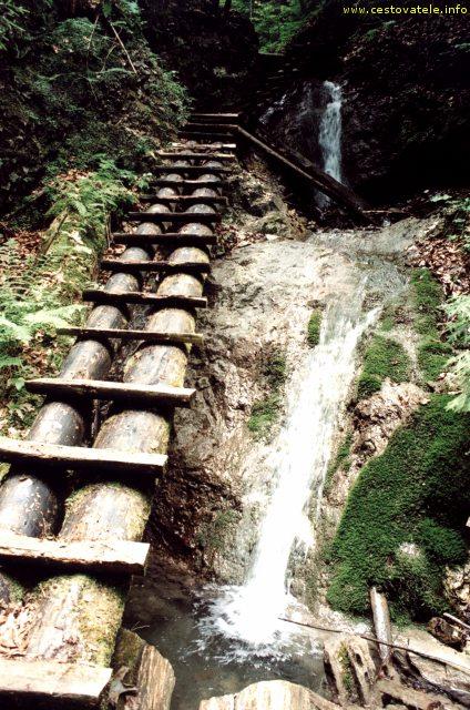 Cesta roklinou Veľký Kyseľ ve Slovenském Ráji