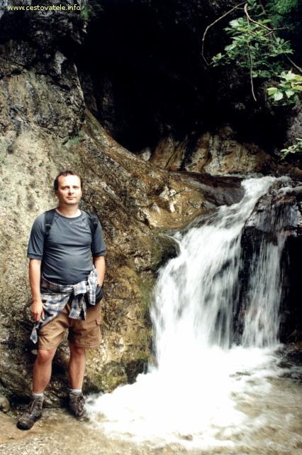 Já (Radim Dostál) u jednoho z vodopádů v Horných dierach na Malé Fatře.
