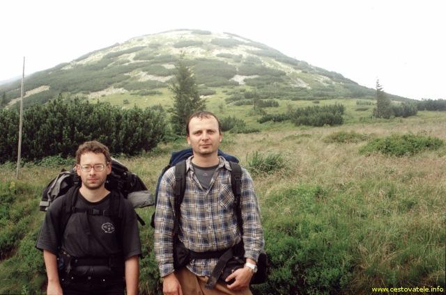 Já (Radim Dostál) a Pepíček, v pozadí vrcol Chleb v pohoří Malá Fatra.