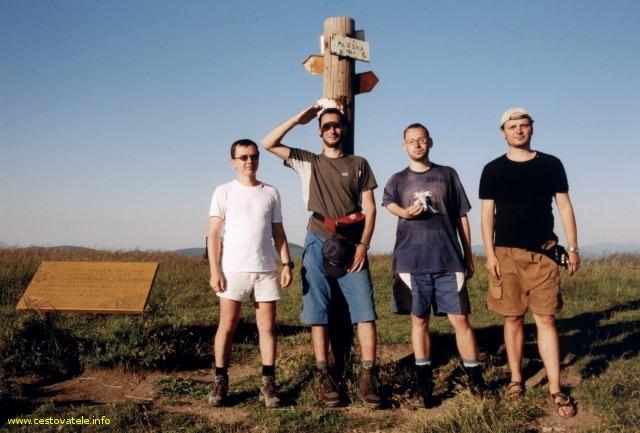 Jarda, Albert, Pepíček a já (Radim) na vrcholu Ploská v pohoří Velká Fatra