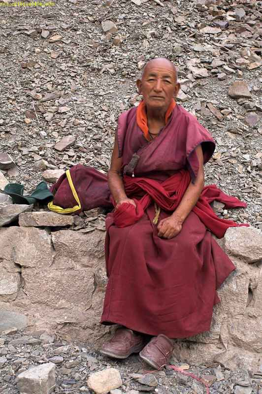 mnich putující do Ridzongu