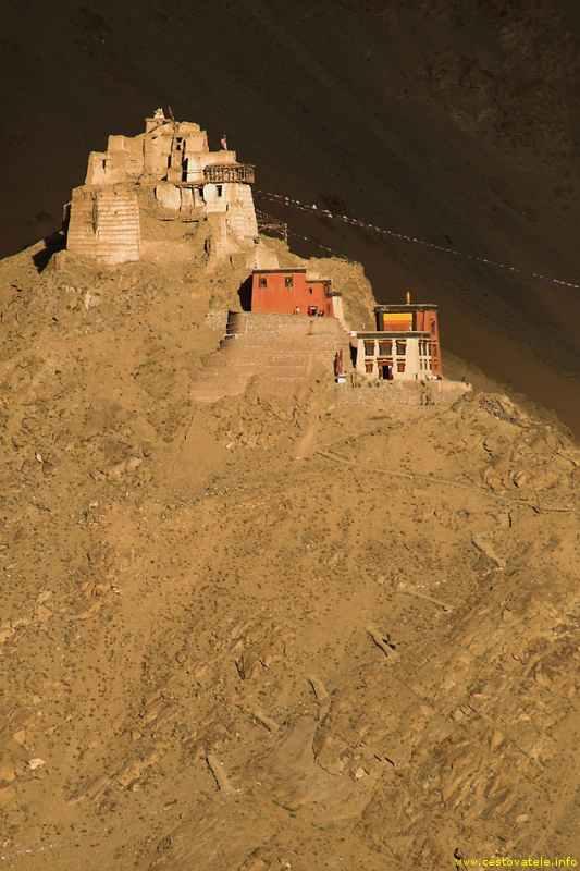 klášter v Le