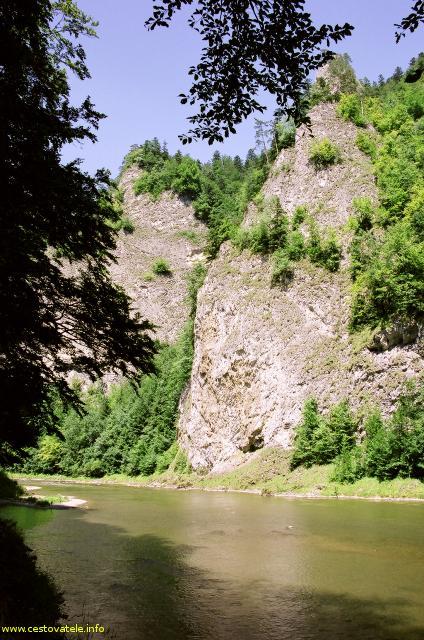 Pieninská cesta a řeka Dunajec v pohoří Pieniny