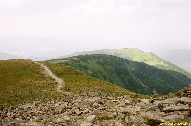 Pohled z Babí hory směrem na vrchol Malá Babí hora