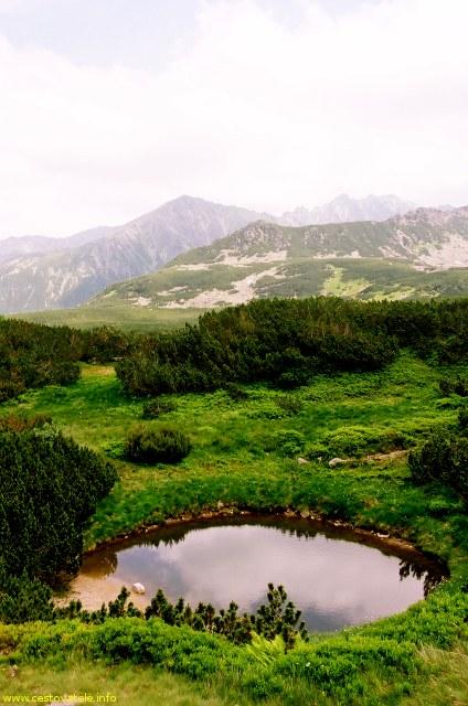 Malé pleso cestou na Kasprov vrch (Kasprowy Wierch) ve Vysokých Tatrách.