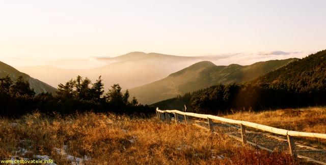Výhled kousek před chatou Výrovka, Krkonoše