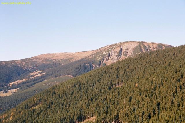 Výhled na Studniční horu cestou na chatu Růžohorky - Krkonoše