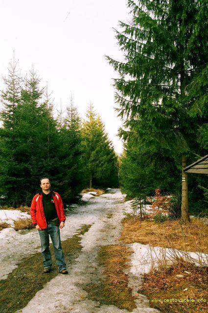 Já (Radim Dostál) na rozcestí Mravencanka - cesta do Karlova pod Pradědem