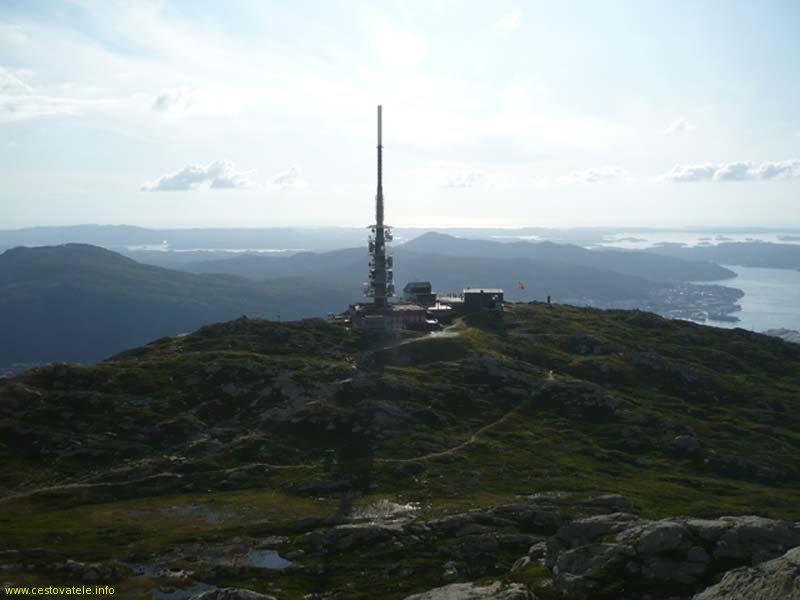 Pohled na vysílač z nejvyššího bodu Ulrikenu