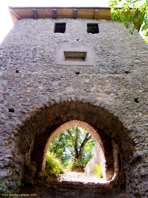 Muránský hrad - brána