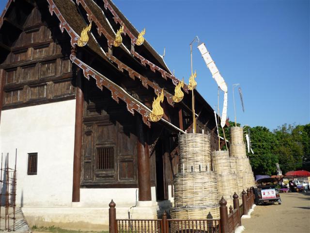 Wat Phan Tao je postavený  z týkového dřeva