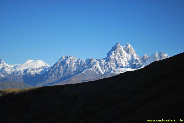 Ušba a Elbrus
