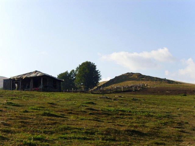 Salaš nad obcí Cerna Sat
