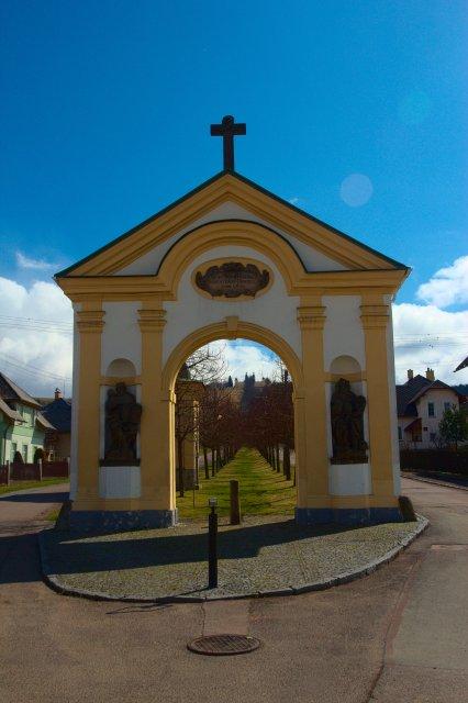 Králíky - alej ke klášteru na Kopečku (Hora Matky Boží)