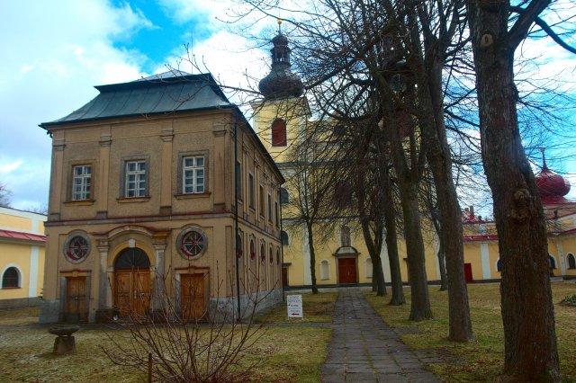 Budova v klášteře na Kopečku, kde se nacházejí Svaté schody