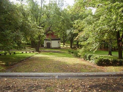 V parku se nachází doposud zachovalý pramen