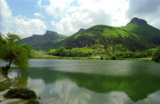 Jezero pod Mangup-Kale