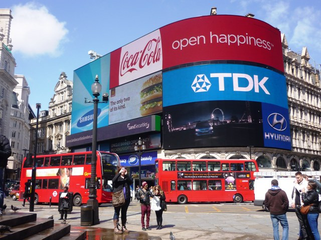 Piccadilly Circus, Londýn