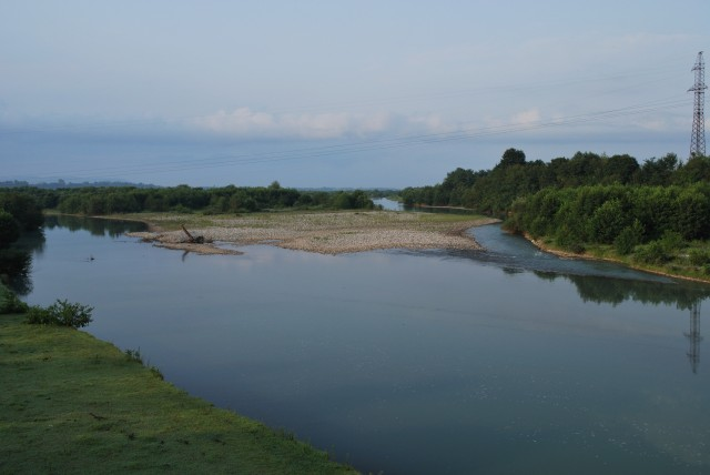 Hraniční řeka Inguri