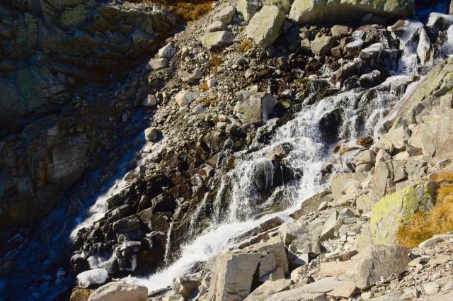 Vodopád mezi Dlhým Plesem a Vareškovým plesem - Vysoké Tatry