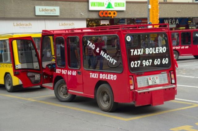 Vozidlo ve městě Zermatt - Švýcarsko