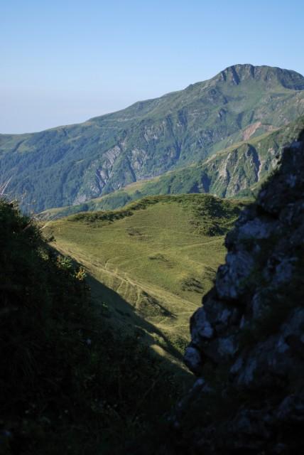 Cestička mezi skalami