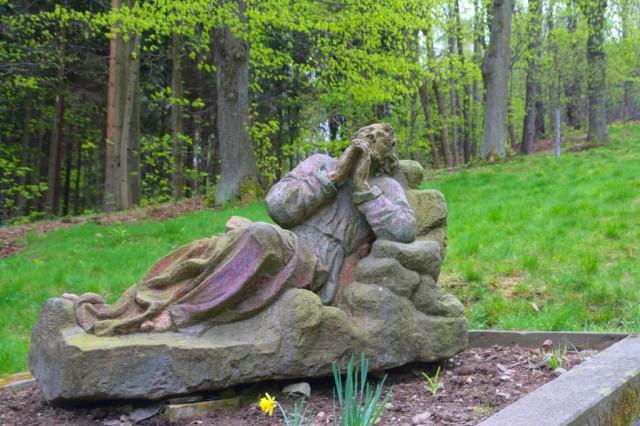 Křížová cesta, socha