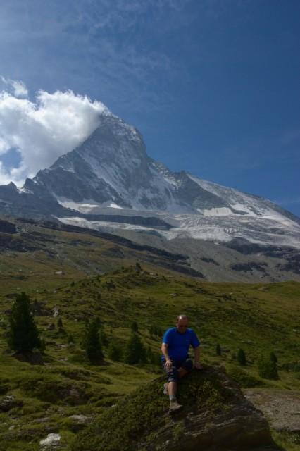 Já (Radim Dostál), v pozadí hora Matterhorn