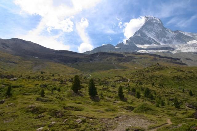 Plošina na Matterhorn--trail, v pozadí vrchol Matterhorn