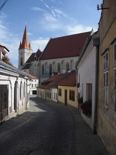 Jedna z romantických uliček města.