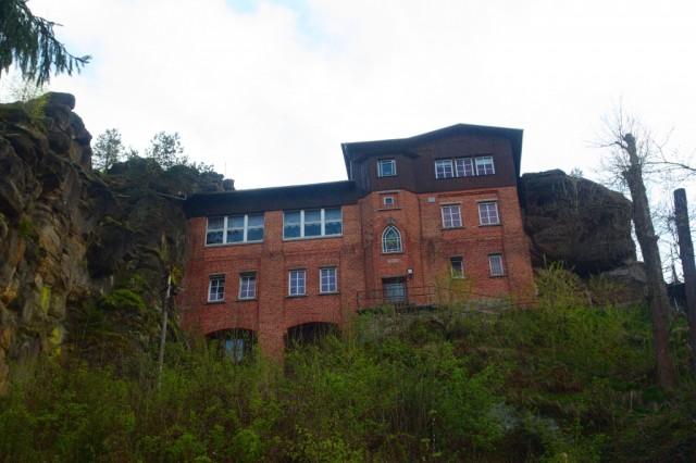 Restaurace kousek od skalních útvarů Nonnenfelsen - Lužické hory