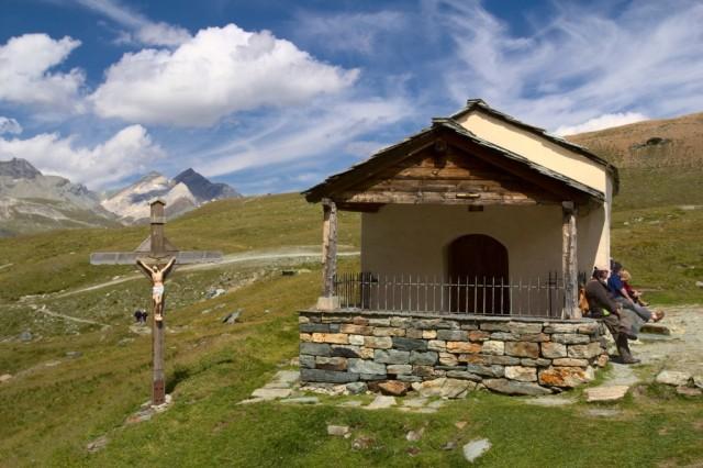 Kaple Panny Marie Sněžné poblíž Schwarzsee - Švýcarské Alpy