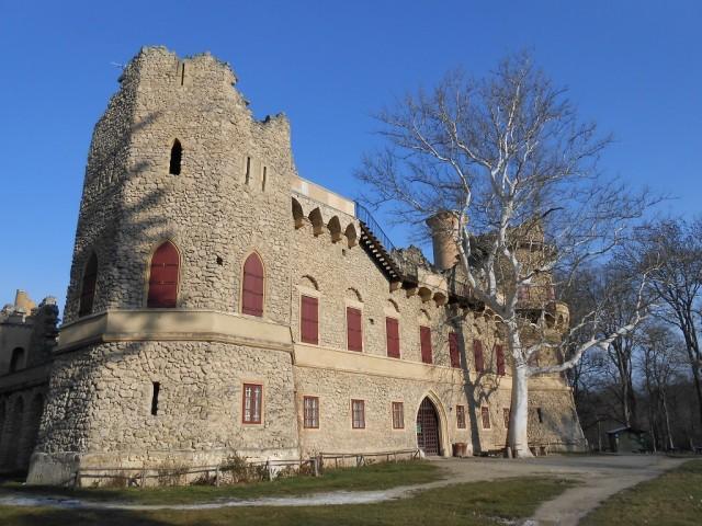 Umělá zřícenina Janův hrad
