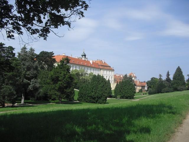 Zámecký park a zámek Valtice