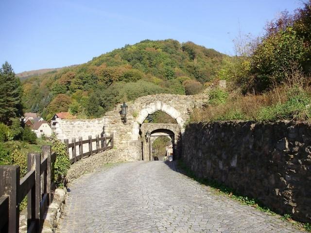Brány na krupském hradu