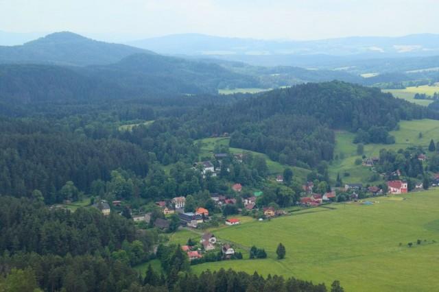 Výhled na Jetřichovice z Mariiny skály - české Švýcarsko
