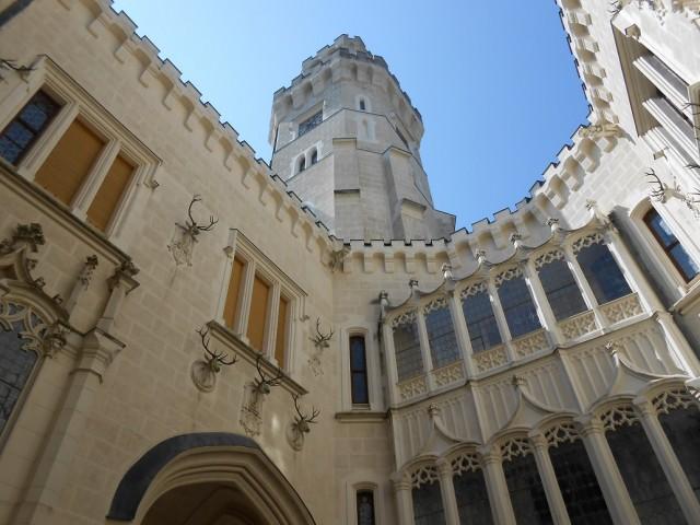 Vyhlídková věž z nádvoří zámku