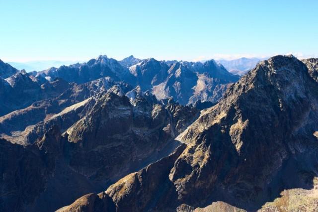 Výhled z vrcholu Lomnický štít - Vysoké Tatry