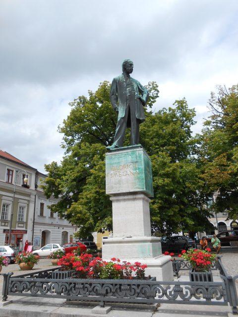 Památník Bedřicha Smetany na Smetanově náměstí