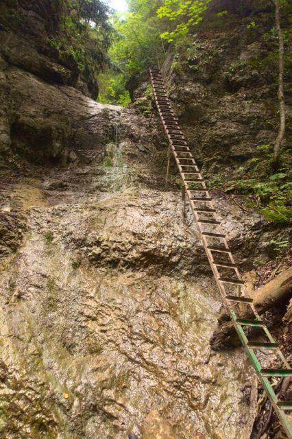 Terasový vodopád v roklině Piecky - Slovenský ráj