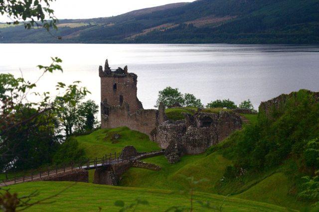 Urquhart Castle - Skotsko
