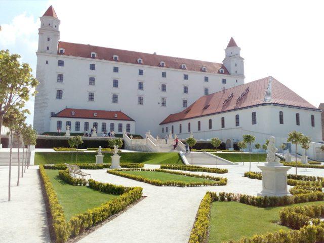 Barokní zahrada u Bratislavského hradu