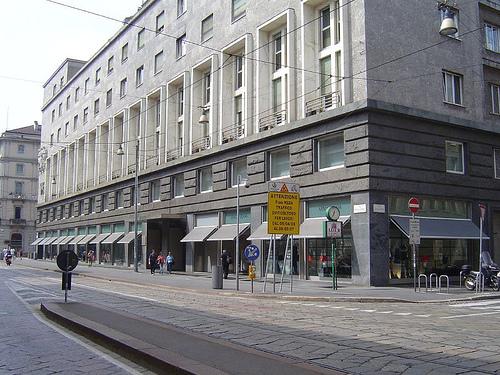 Armani obchod v ulici Quadrilatero della moda.