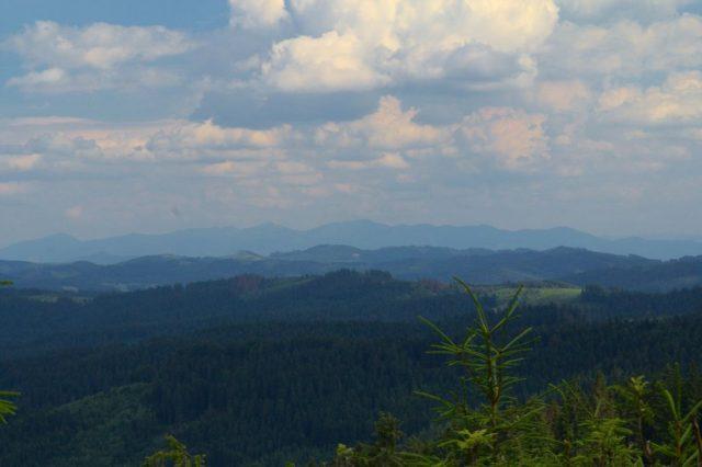 Výhledy cestou z Hluchanky na Bobek - Moravskoslezské Beskydy