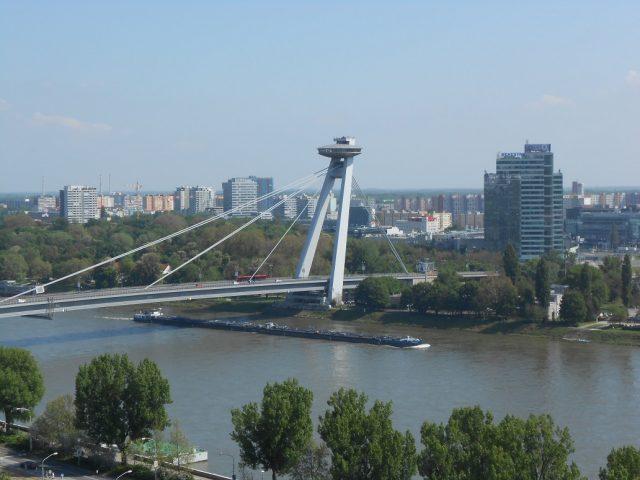 Most SNP a bratislavské UFO