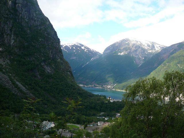 Výhled ze stoupání na Skjegedal