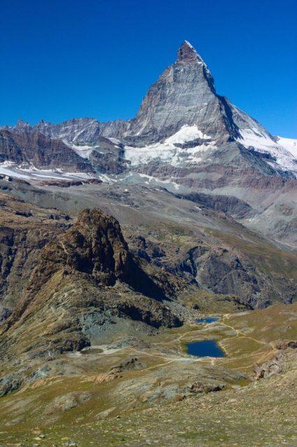 Horské jezero Riffelsee - Švýcarské Alpy