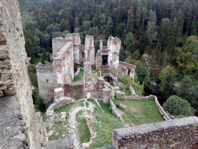 Pozůstatky renesančního hradního paláce